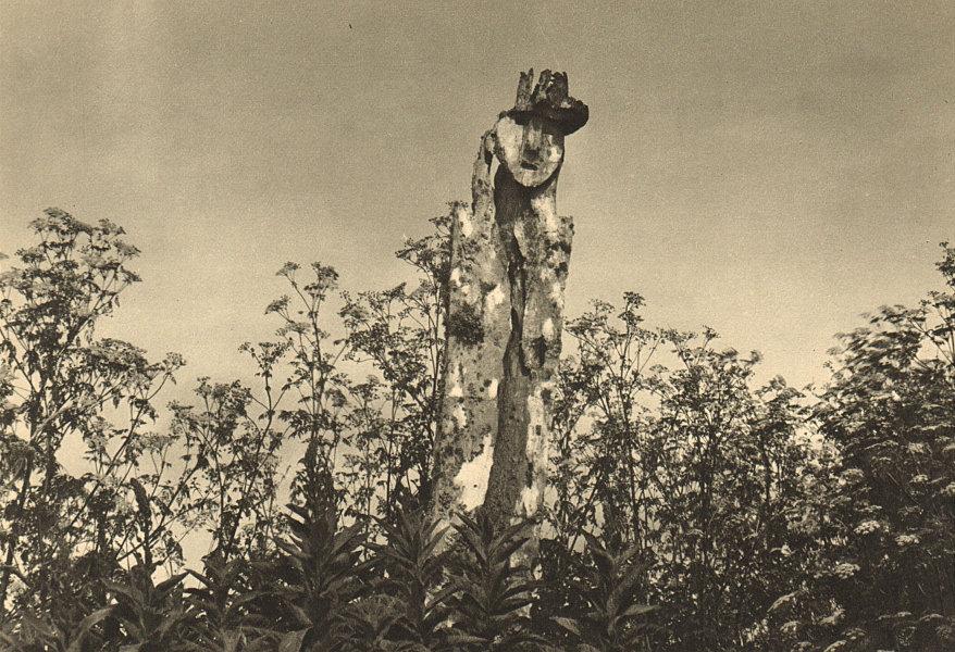 Associate Product CHILE. Lago Budi. Monumento en la tumba de un cacique Araucano 1932 old print