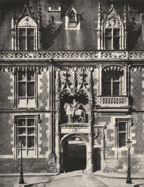 Associate Product LOIR- ET- CHER. Chateau de Blois. Entrée et statue de Louis xii 1900 old print