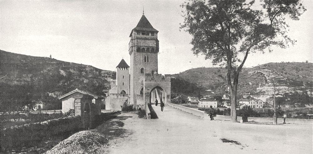 LOT. Cahors. Entrée du Pont Valentré 1900 old antique vintage print picture