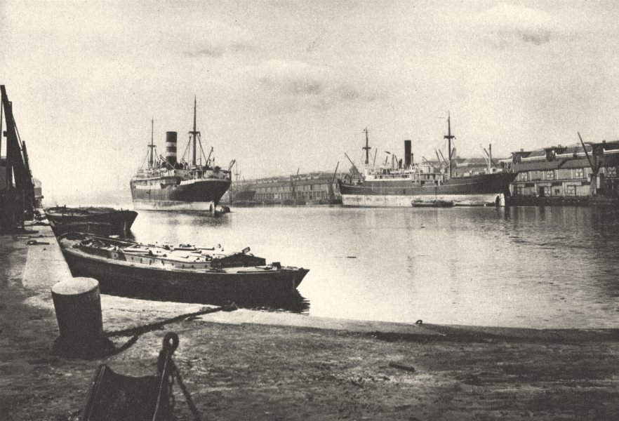 Associate Product WEST INDIA DOCKS. Unloaded Cargo boat South Dock. Canary Wharf 1926 old print