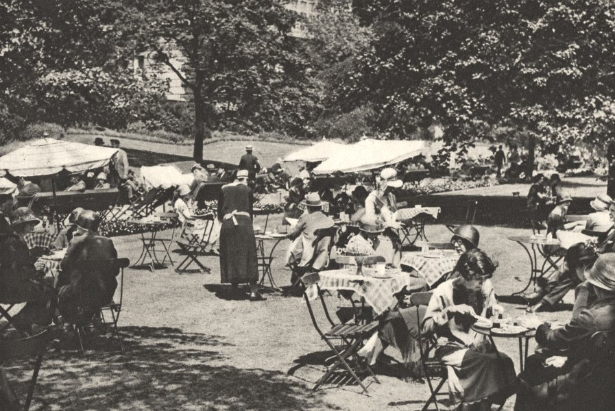 LONDON. Continental Lunch-time trees Embankment Gdns Charing Cross 1926 print