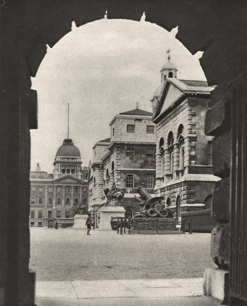 Associate Product LONDON. Horse Guards parade in the Archway of Treasury Passage 1926 old print