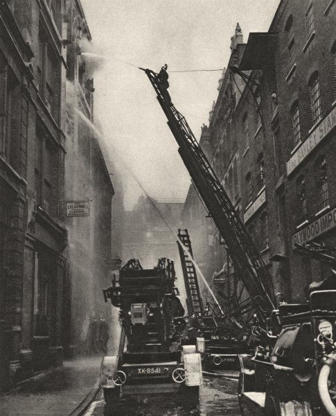 Associate Product LONDON. How the London fire brigade comes to grips with its Enemy 1926 print