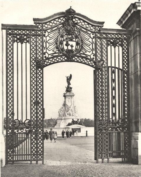Associate Product BUCKINGHAM PALACE.Gates wrought iron. 1913 restoration 1926 old vintage print