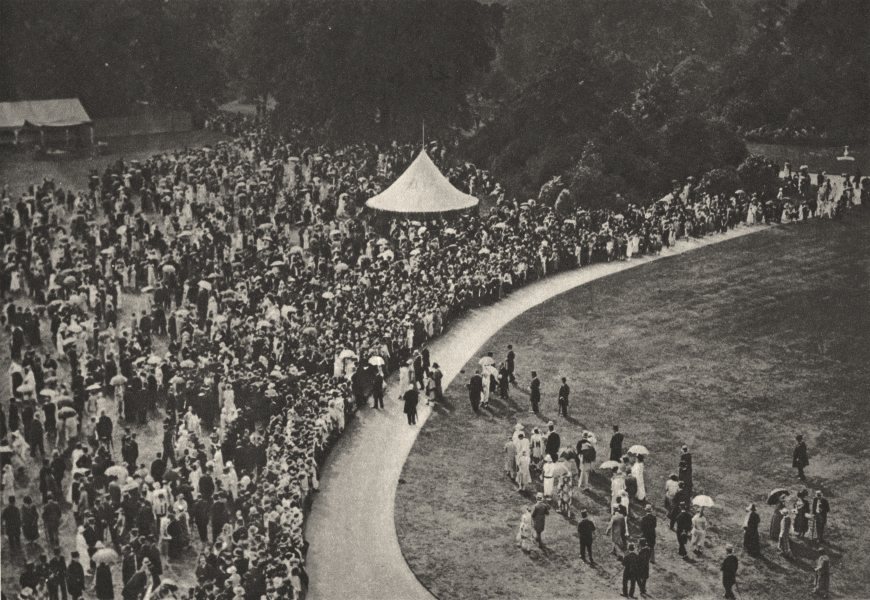 Associate Product LONDON. Annual Royal garden party on the lawn at Buckingham Palace 1926 print