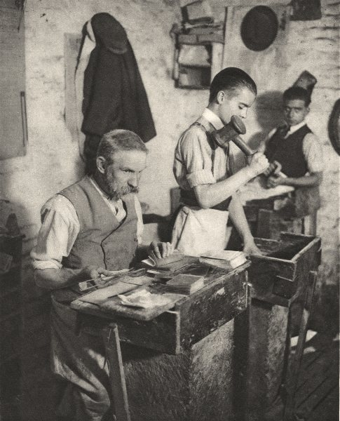 Associate Product LONDON. One of the most Ancient crafts. Gold beating in a London workshop 1926