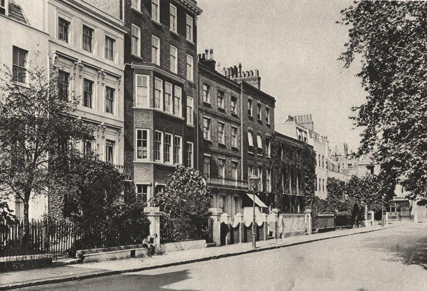 LONDON. Kensington Square. Young Street. John Stuart Mill. Thackeray 1926