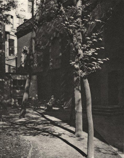 LONDON. St Catherine Coleman churchyard. Aldgate. off Fenchurch Street 1926
