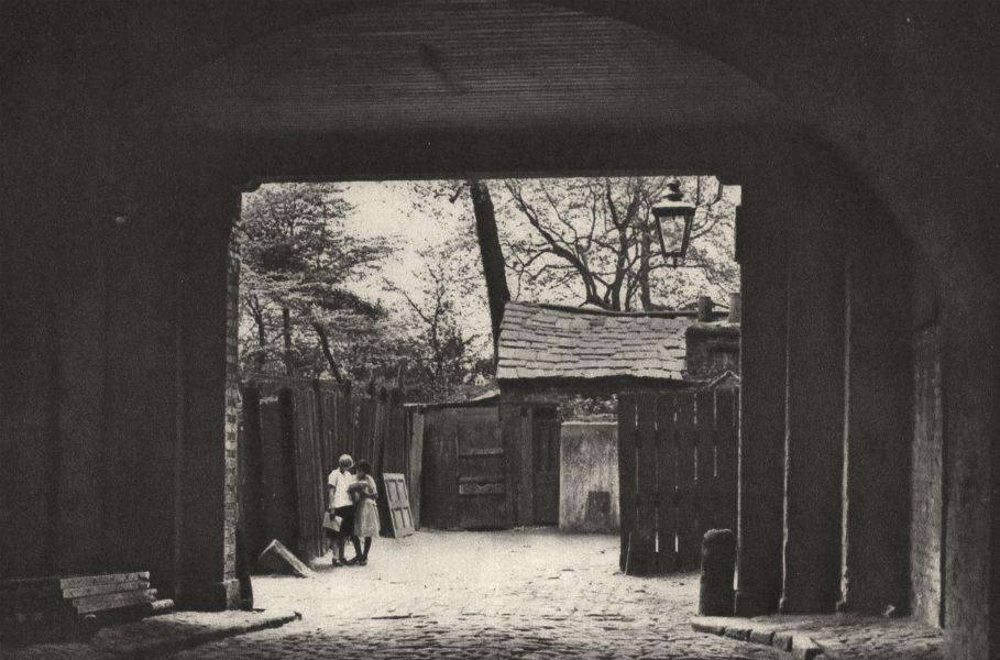LONDON.Archway Adelphi.Little Robert Street, named after an Adam 1926 print