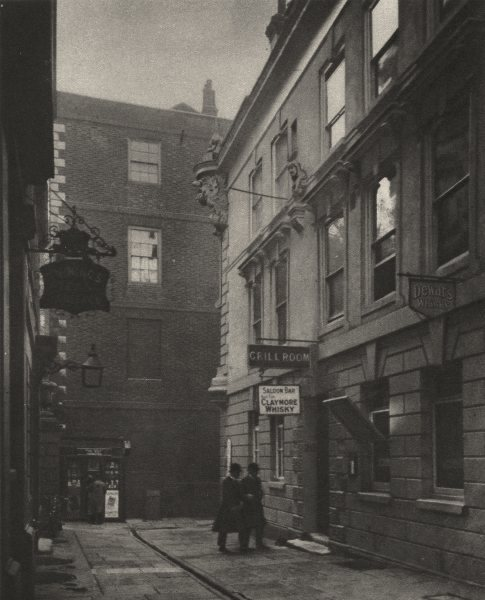 Associate Product LONDON. In Devereux Court, full of Eighteenth- century associations 1926 print