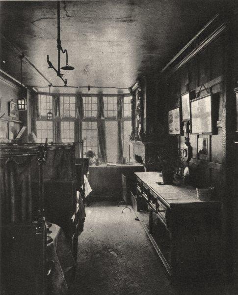 Associate Product LONDON. First floor grill room of the Cock overlooking Fleet Street 1926 print
