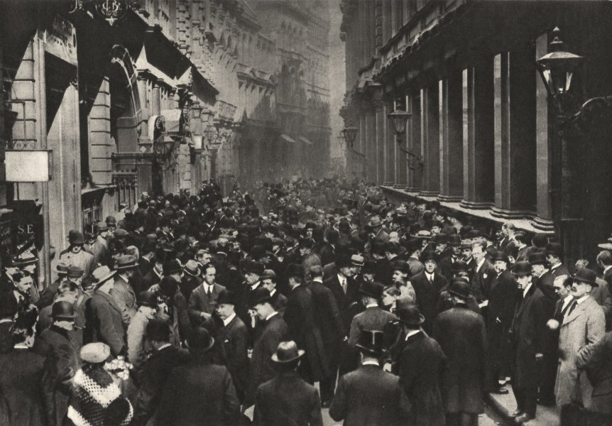 Associate Product LONDON. In Throgmorton Street outside the Stock Exchange 1926 old print