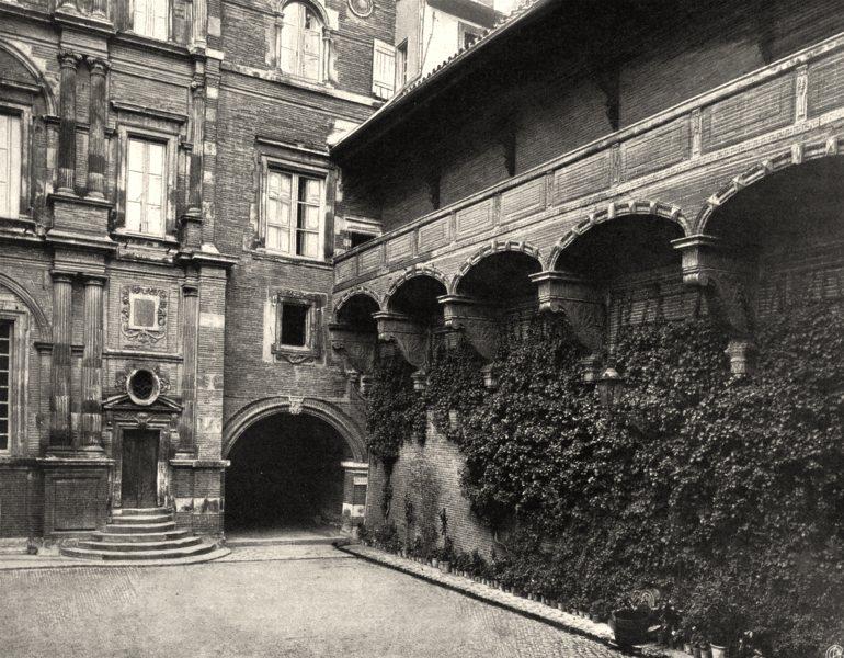 Associate Product HAUTE-GARONNE. Toulouse- Galerie de I'hôtel d'Assézat 1903 old antique print