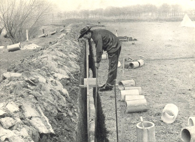 Associate Product FARM DRAINAGE. Placing tile with tile-Hook 1912 old antique print picture