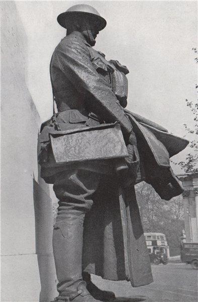 Associate Product Figure of Soldier, Artillery monument. E.O. HOPPÉ. London 1930 print