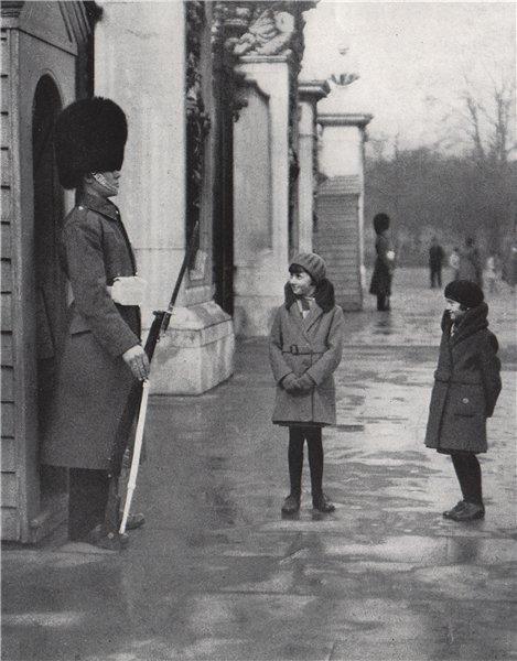 Associate Product Sentries at Buckingham Palace. E.O. HOPPÉ. London 1930 old vintage print