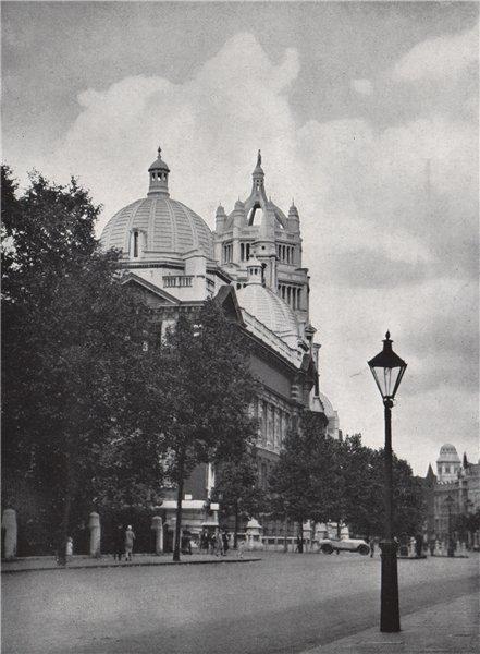 Associate Product Victoria and Albert Museum, South Kensington. E.O. HOPPÉ. London 1930 print