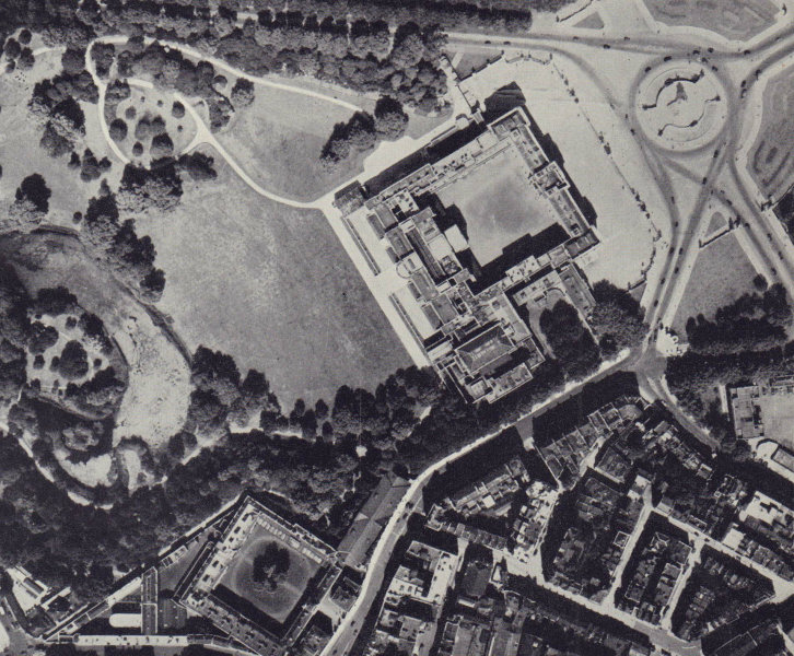 Buckingham Palace and gardens from the air 1946 old vintage print picture