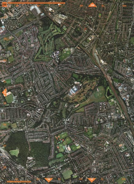 Associate Product MUSWELL HILL N10 N22 N8 N11. Golf Course Alexandra Palace 2000 old vintage map